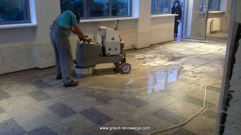 Odnowienie podłóg marmurowych z montażem nowych posadzek dla KPRM, renowacja i konserwacja posadzek z kamienia naturalnego