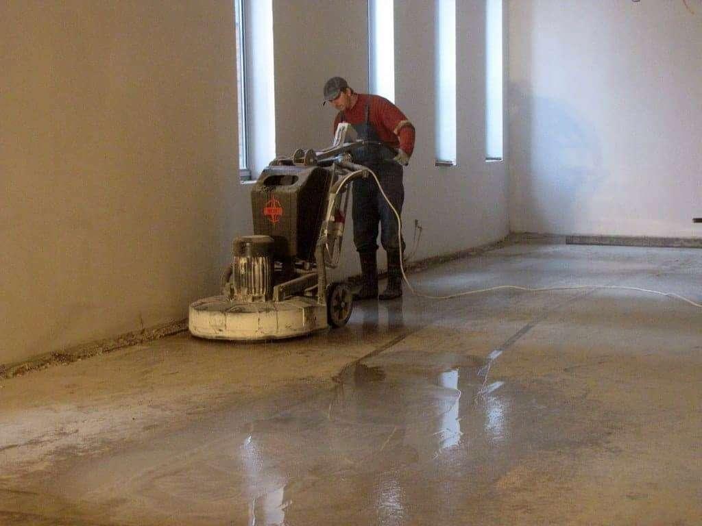 Montaż posadzek kamiennych, remont podłóg marmurowych w Teatrze Powszechnym Warszawa