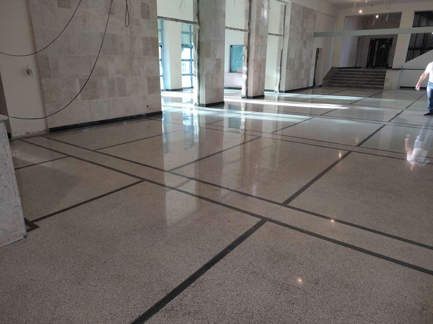 Polerowanie betonu i lastryko, renowacja posadzek